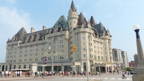 Fairmont Chateau Laurier heisst  diese Hotelburg