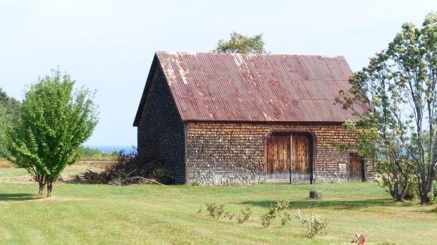 Besonderheit hier: Fassaden mit Holzschindeln verkleidet